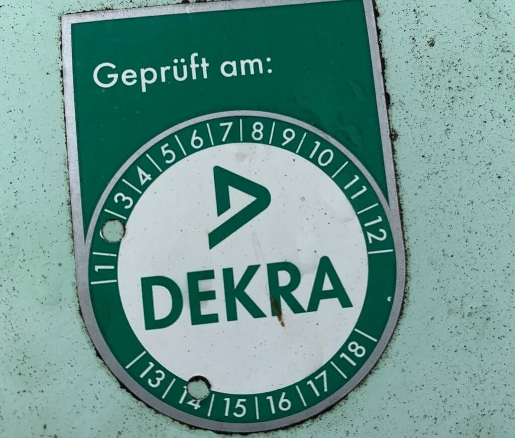 Grünes Prüfsiegel der DEKRA ist inklusive beim Gastank mieten